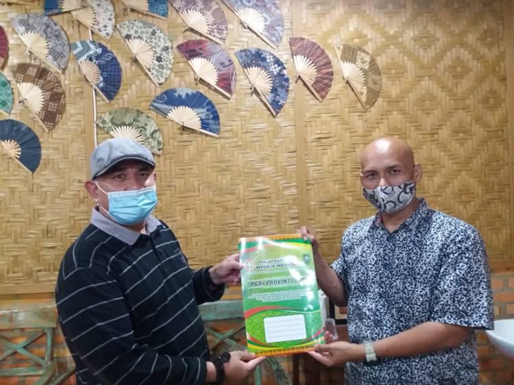 PWI Riau Dukung Klub Sepakbola TUI FC Binaan PGRI