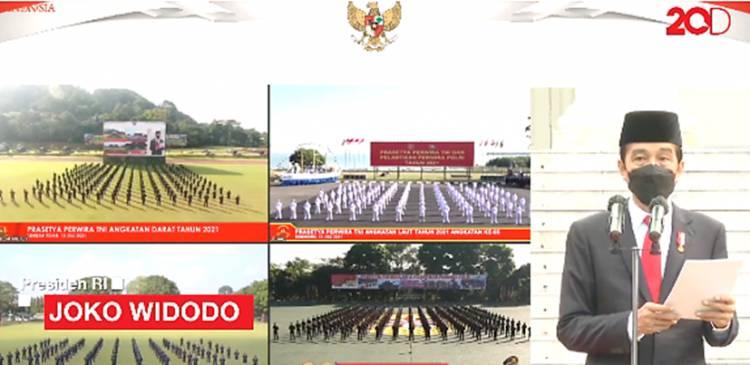 Presiden Jokowi Melantik Perwira TNI-Polri di Istana dan Serahkan Penghargaan Adhi Makayasa 2021