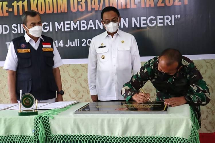 Gubernur Riau  Drs. Syamsuar Menghadiri Acara Penutupan TMMD ke-111 Kodim 0314/Inhil