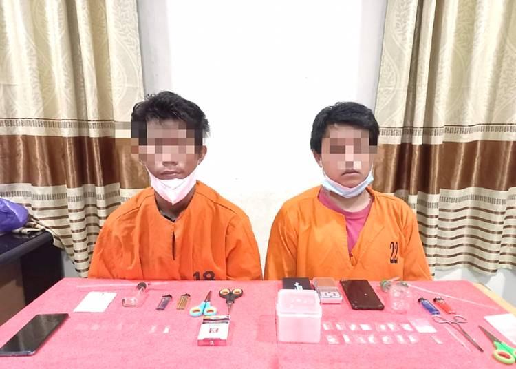 Dua Pemuda Tembilahan Terduga Pelaku TP Narkotika Jenis Sabu Ditangkap Satnarkoba Polres Inhil