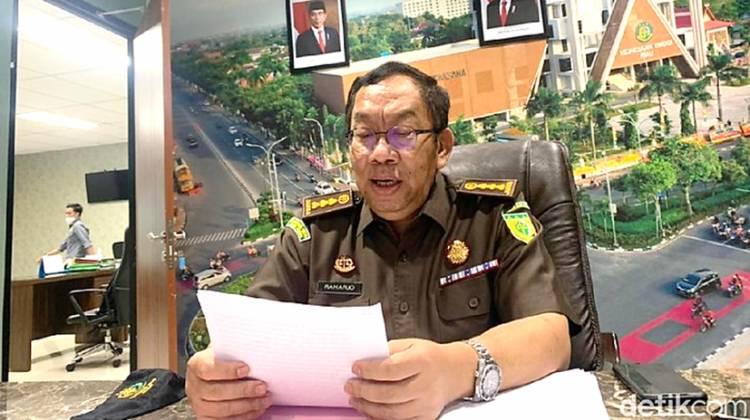 Mantan Bupati Kuansing Resmi Ditetapkan Jadi Tersangka Kasus Dugaan Korupsi Rp 5,8 M