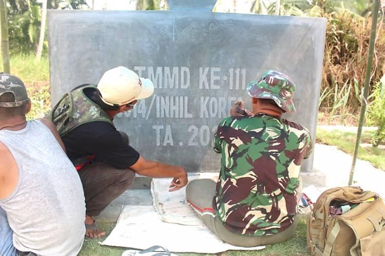 Pembuatan Tugu TMMD ke-111 Kodim 0314/lnhil Semakin Dikebut, Simbol Sinergitas TNI dan Rakyat