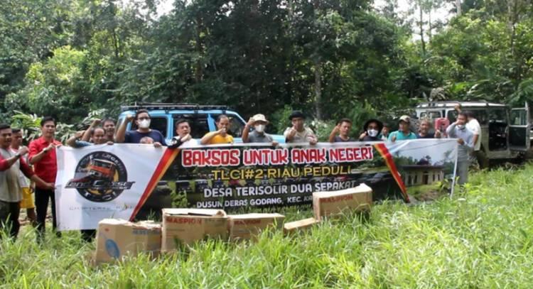 Toyota Land Cruiser Indonesia (TLCI) Chapter #2 Riau, Terobos Daerah Terisolir Berikan Bansos