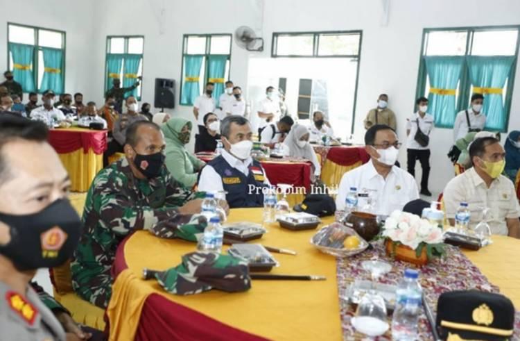 Bupati Inhil HM. Wardan Dampingi Gubernur Riau Drs. Syamsuar pada Acara Penutupan TMMD Ke-111 Kodim 0314/Inhil