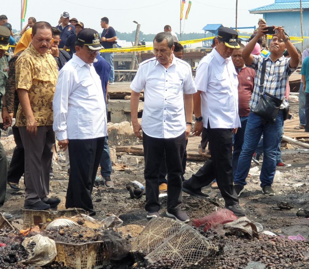Gubernur Riau dan Bupati Inhil Mencari Solusi Bagi Pedagang Yang Terkena Dampak Kebakaran Pasar Selodang Kelapa Tembilahan