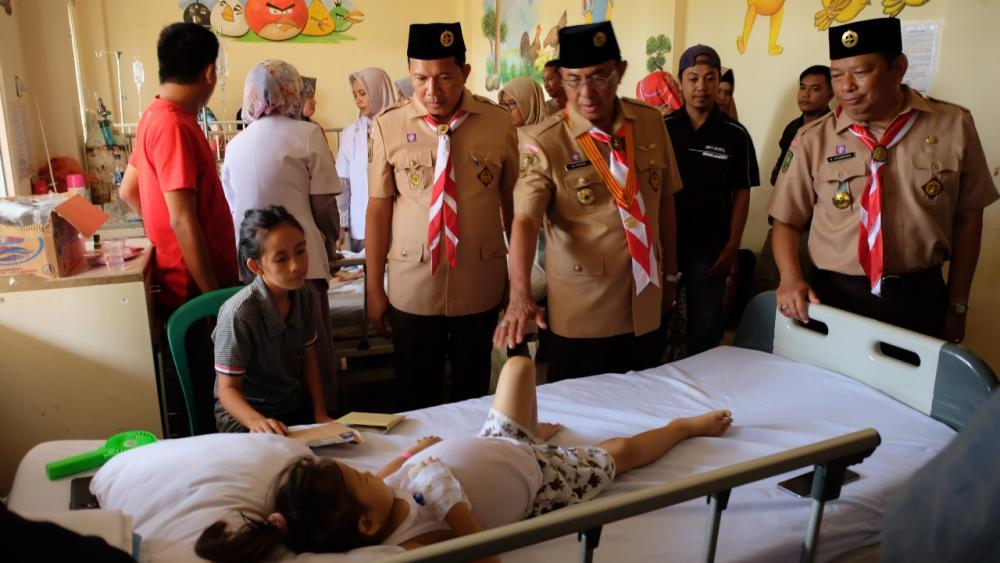 HM Wardan dan Kadis Kesehatan Mengunjungi Anak Pederita Gizi Buruk Di RSUD Puri Husada Tembilahan