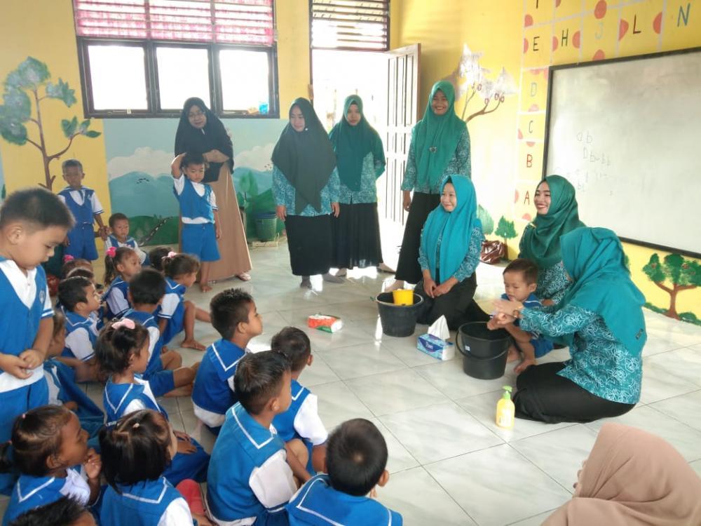 TPKK Desa Pangkalan Nyirih Gelar Kegiatan PMT dan CTPS, Serta Bagi-Bagi Obat Cancing