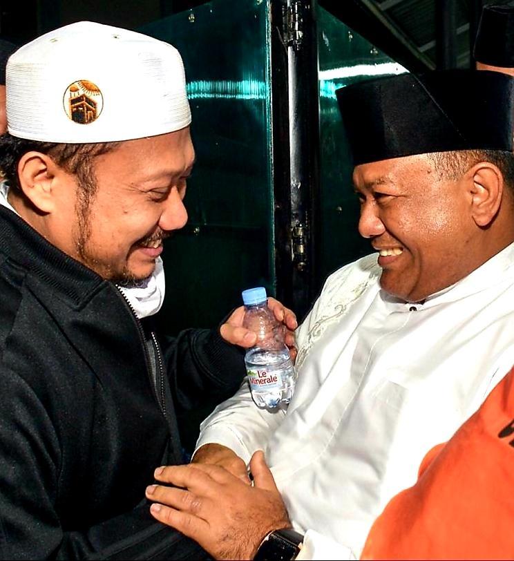 Plh Bupati Kampar Sambut Kedatangan H Catur Sugeng Susanto dan Istri Bersama 448 Jamaah Haji