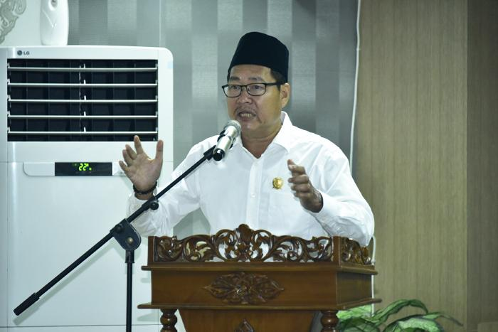 "Sebagai Ketua DPRD Bengkalis, H Abdul Kadir Menyampaikan ""salam perpisahan"". Berpamitan"