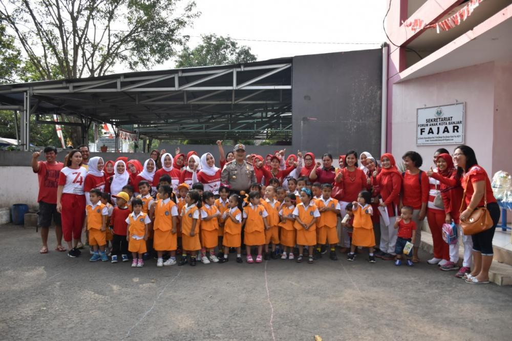 Dalam Rangka Memeriahkan Hut RI, Kapolres Banjar Buka Lomba Murid Tk Kemala  Bhayangkari 26 Kota Banjar