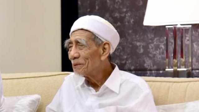 Subhanallah, Mbah Moen Disalatkan di Masjidil Haram, Dimakamkan Dekat Istri Nabi