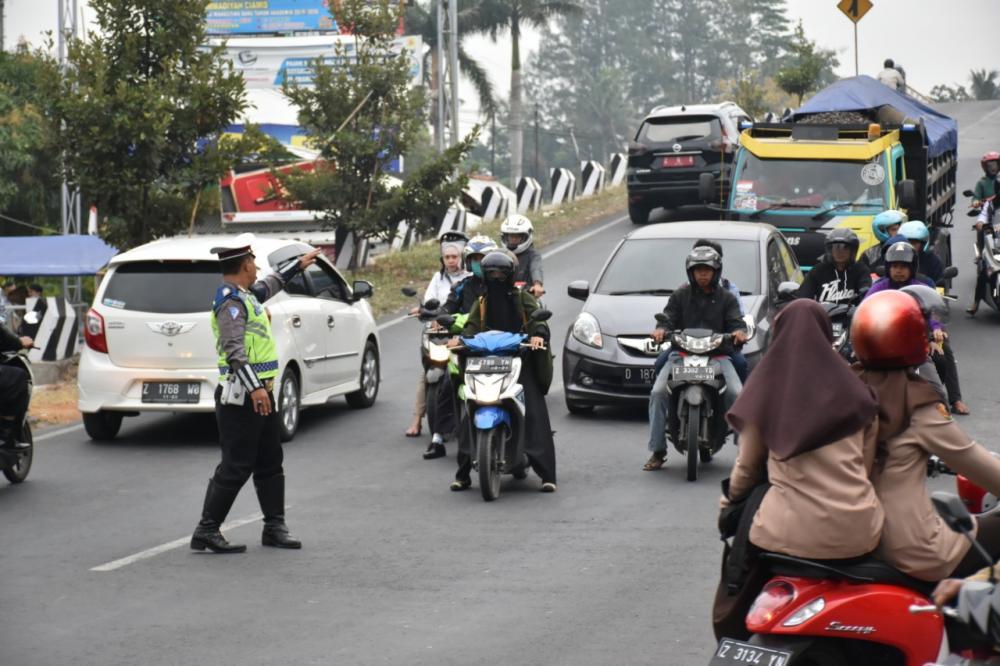 """Kapolres Banjar Gagas  Program """"SATU JAM BERSAMA MASYARAKAT"""""""