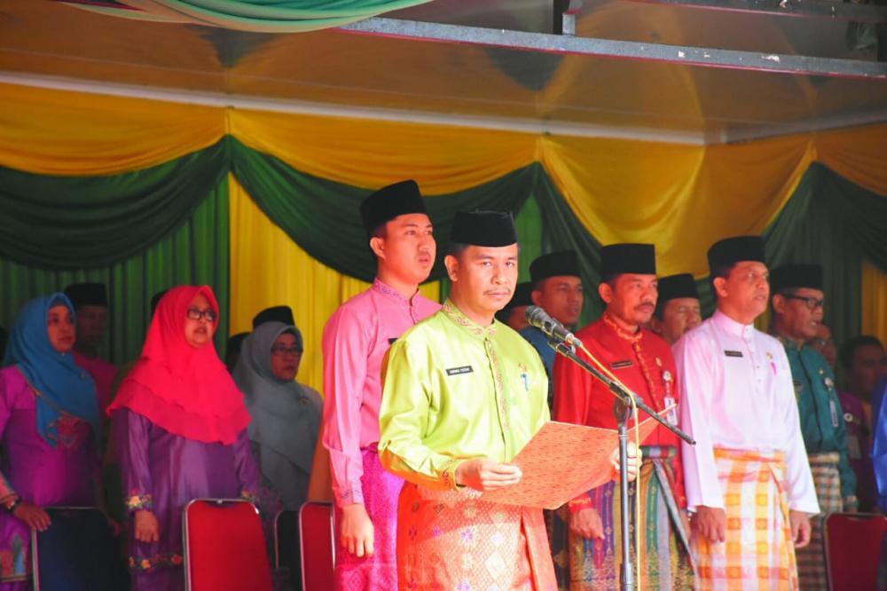 Melayu Lengkap Warnai Upacara HUT Riau ke-62