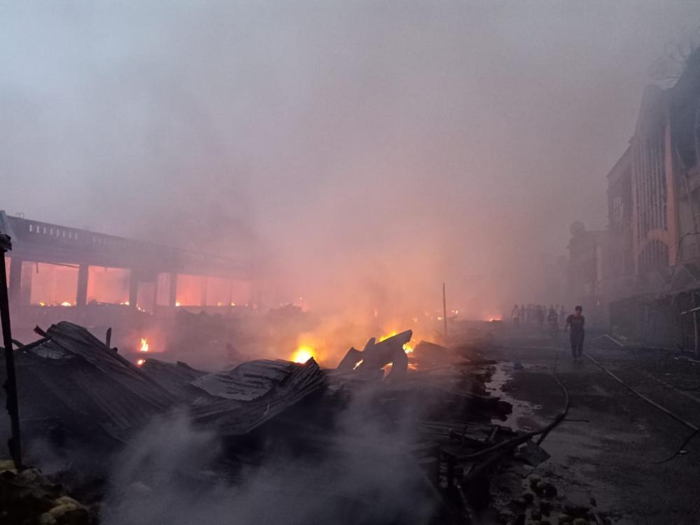 456 Kios Pasar Selodang Kelapa Tembilahan Terbakar, Aktifitas Jual Beli Terhenti