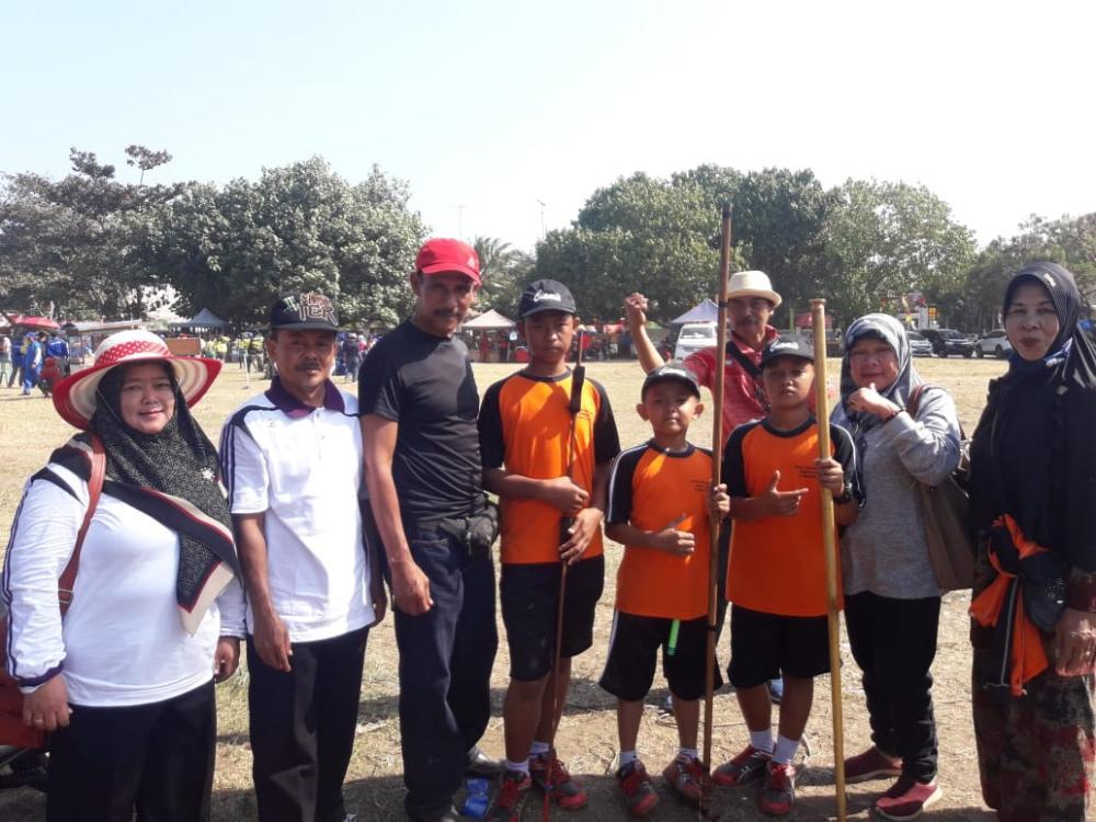 Olahraga Tradisional Bakiak Dan Sumpitan Hantarkan Kontingen Ciamis Jadi Juara