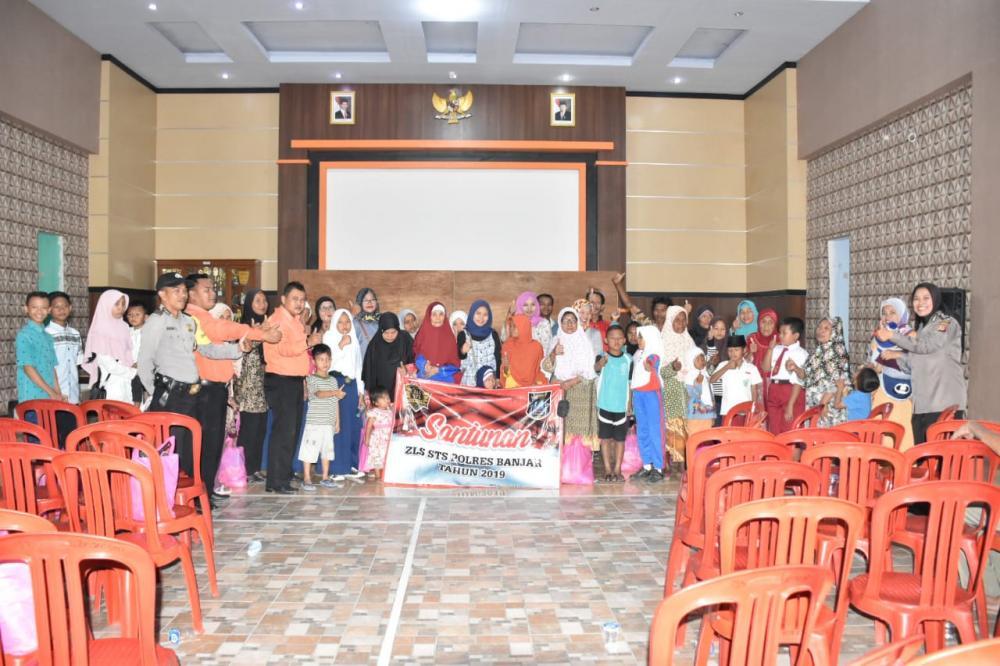 Anggota Polri Polres Banjar Angkatan 26 Gelar Acara Bakti Sosial.