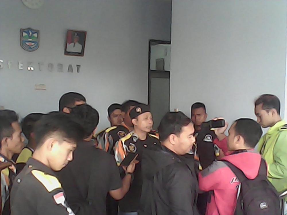 Audiensi LSM GMBI dengan pihak Inspektorat kota Banjar.