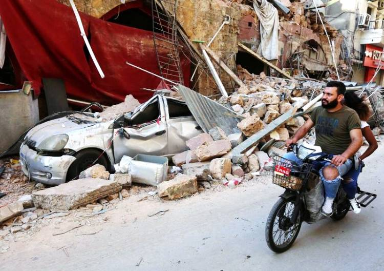 Kerugian Ledakan Beirut Diperkirakan Rp 73 Triliun dan 300.000 Penduduk Menjadi Tunawisma