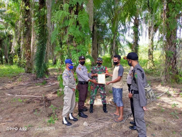 Babinsa Patroli Karlahut Bersama Satpol PP dan Personil Polsek Bagan Sinembah