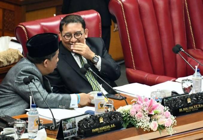 Saat Dua Pengkritik Jokowi Dapat Bintang Tanda Jasa