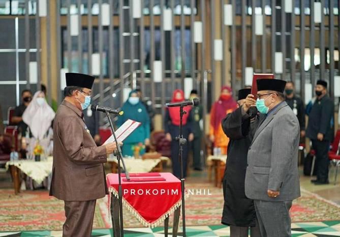Bupati HM Wardan Melantik Pejabat Sekdakab Inhil H Fauzar SE MP