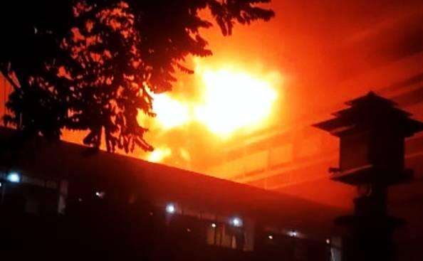 Belum Diketahui Penyebab Terbakarnya Gedung Kejagung, Dokumen Penting di Evakuasi