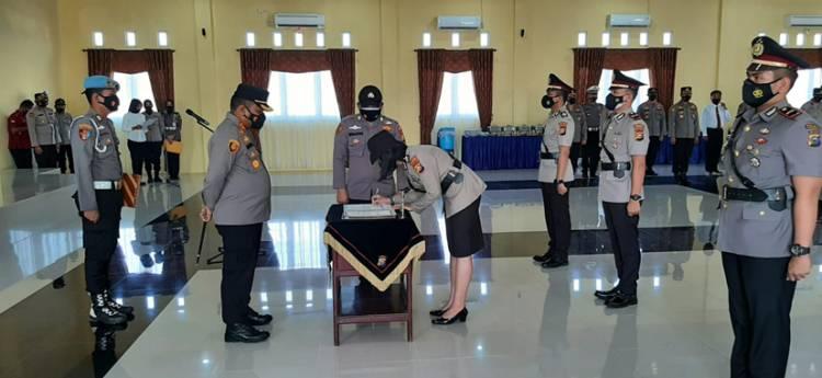 Kapolres Kampar Pimpin Upacara Sertijab Kapolsek Tambang dan Kapolsek Bangkinang Barat