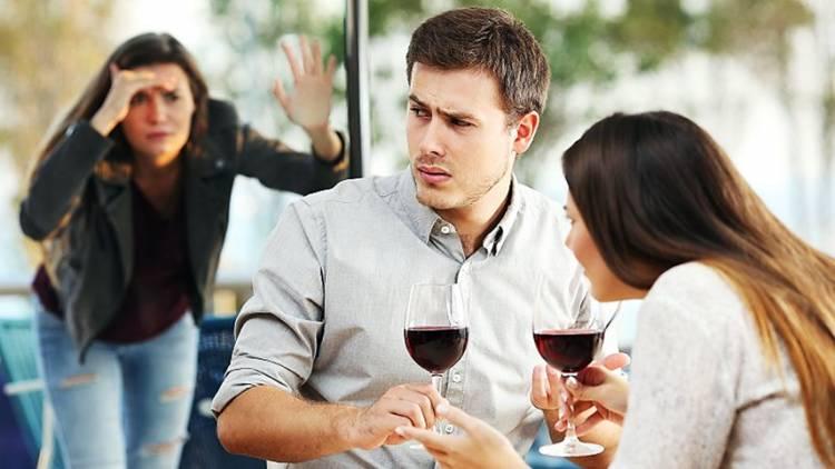 Ketahui 5 Penyebab Paling Umum yang Membuat Pasangan Berselingkuh