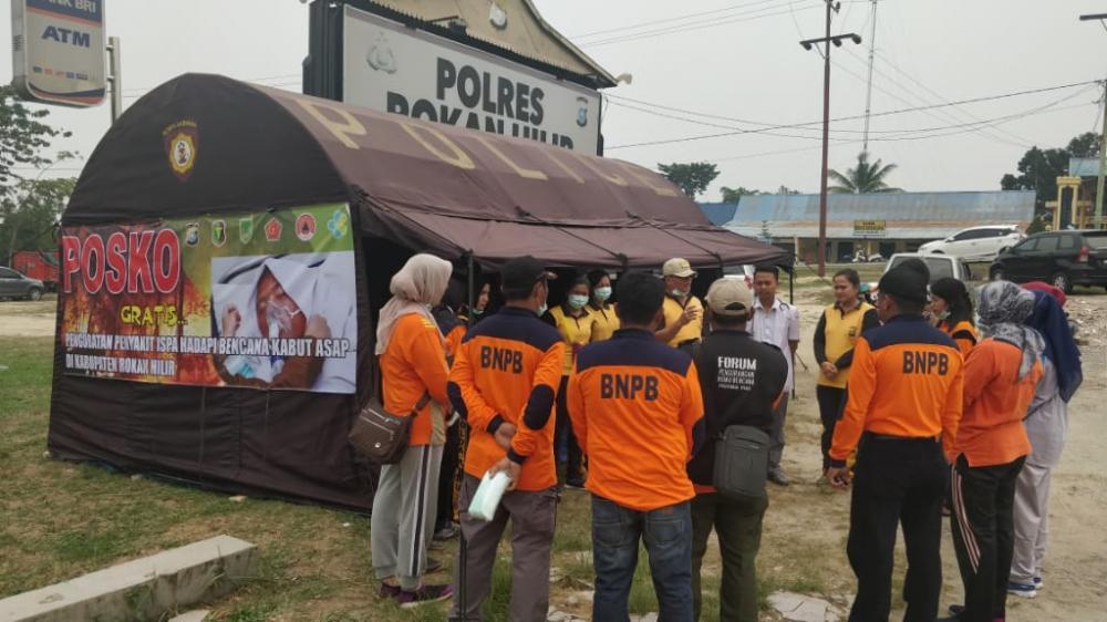 Polres Rohil Bersama Diskes Rohil Dirikan Posko Pelayanan Pengobatan Gratis Untuk Masyarakat