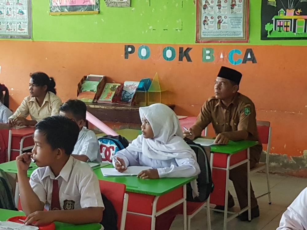 Kepsek SDN 1 Rupat  :  Disiplin Kunci Keberhasilan Anak Didik