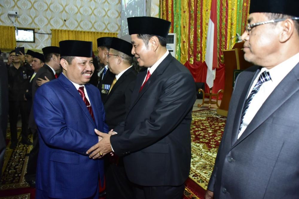 Amril Mukminin Ucapkan Selamat dan Taniah kepada 45 Anggota DPRD Bengkalis yang Baru Ucapkan Sumpah/Janji