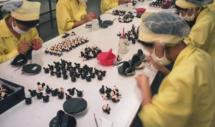 Wow... Ternyata Ini Fakta Miris Dibalik Murahnya Mainan Buatan China