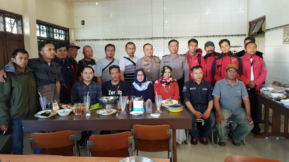 Pererat Tali Silaturahmi, Kapolres Banjar Makan Siang Bersama Pokja Jurnalis Polres Banjar