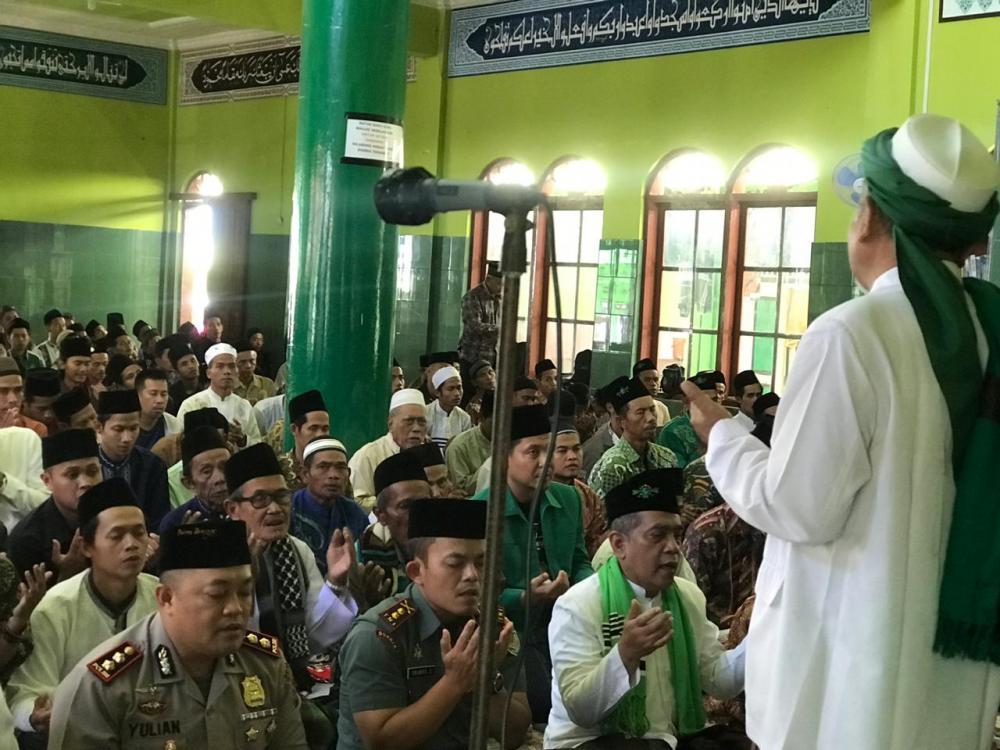 Kapolres Banjar beserta Dandim 0613 Ciamis Laksanakan Silaturahmi Pengurus Pesantren