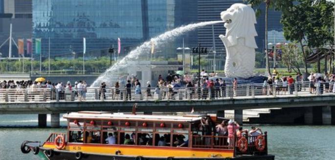 Wow.. Singapura Bakal Robohkan Patung Singa Merlion di Sentosa Island