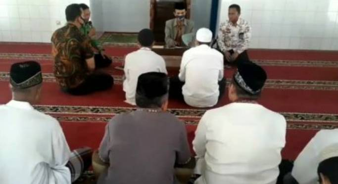 Sering Melihat Rekannya Satu Sel Mengaji,Dua Narapidana Masuk Islam