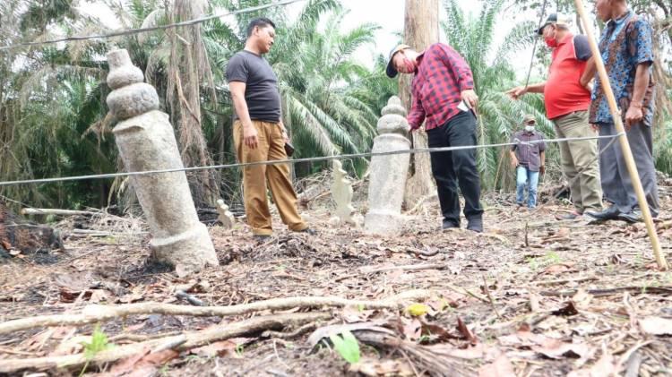 Cawabup Bengkalis Bagus Santoso Kunjungi Lokasi Temuan Mirip Candi di Desa Temiang
