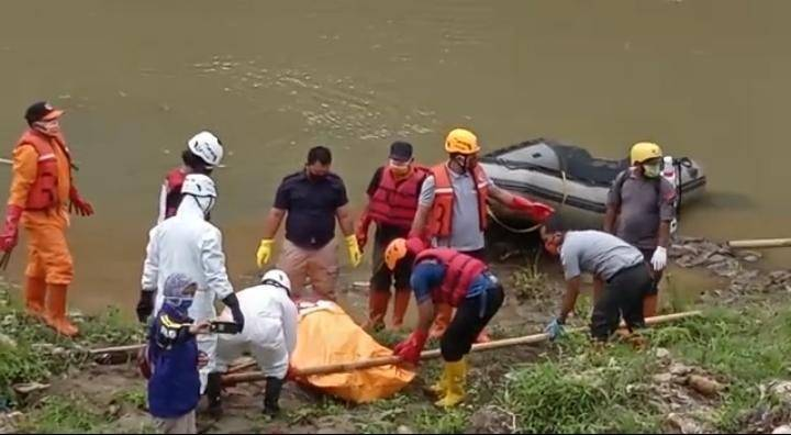 Warga Geger, Mayat Perempuan Tanpa Identitas Ditemukan Mengambang di Sungai