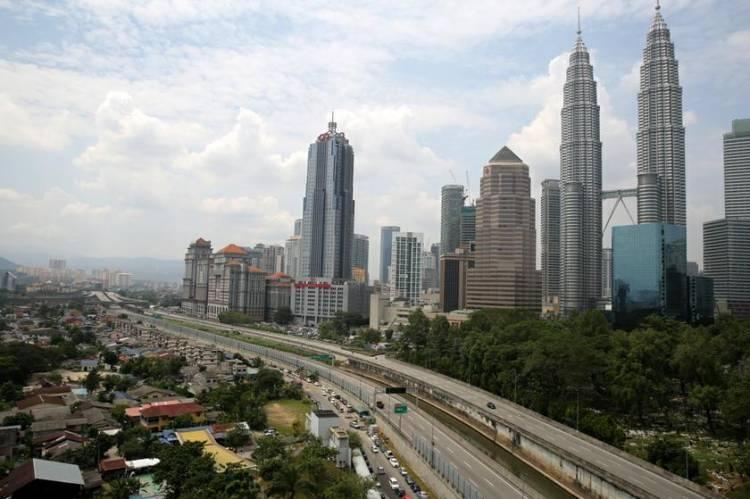 Malaysia Hentikan Karantina Mandiri Warganya dari Luar Negeri yang Positif Covid-19