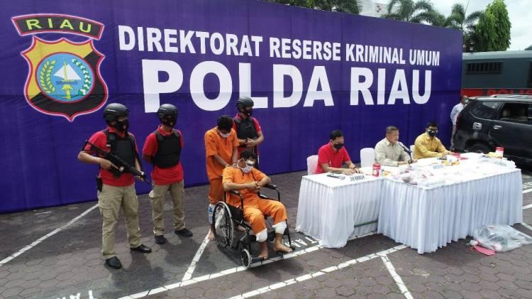 Polda Riau Ungkap Pembunuhan Berencana dan Curas Terhadap Pengusaha Rental Mobil