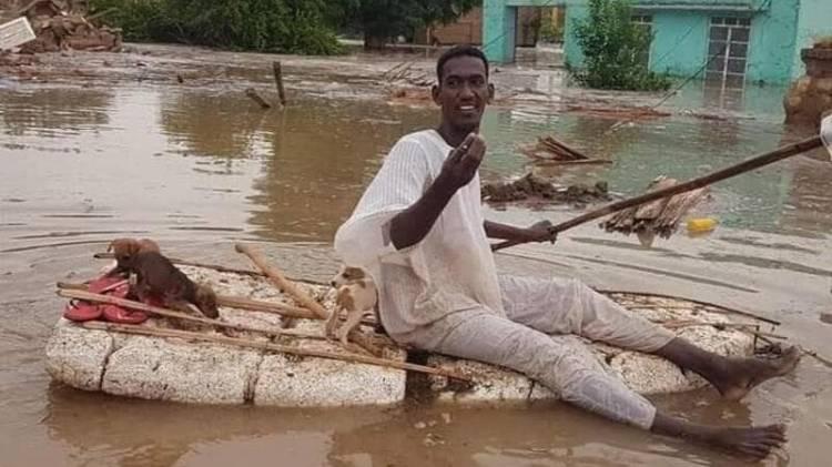 Pemuda Muslim Sudan Viral di Afrika karena Aksi Kemanusiaannya Selamatkan Anak Anjing