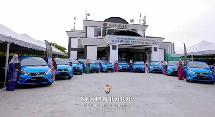 10 Perawat dapat Hadiah Mobil dari Sultan Johor