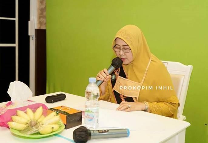 Hj Zulaikhah Wardan SSos ME Menjadi Pembicara Utama (Keynote Speaker) Dalam Webinar Kelas Orang Tua