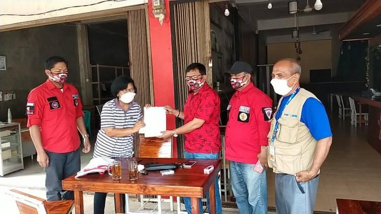 Penderita Kanker Tulang dapat Bantuan Rp 10 Juta dari STM Riau Kompleks Pelalawan