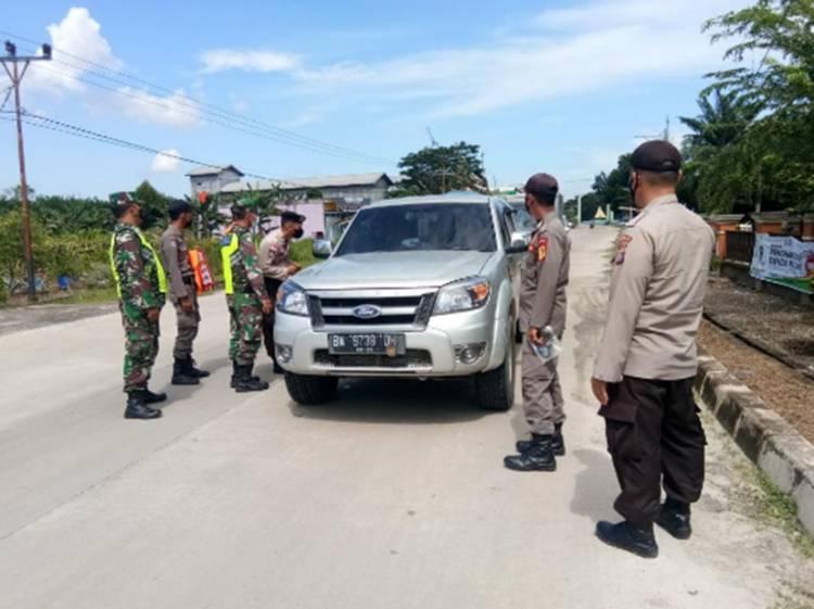 Babinsa Koramil 05/Rupat Gelar Disiplin Protokol Kesehatan Bagi Penumpang Kapal Roro