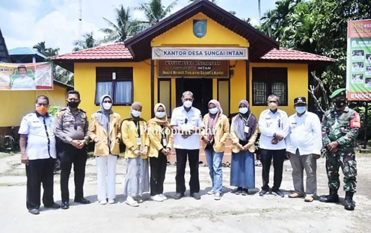 Wabup Inhil H. Syamsuddin Uti Kunker ke Sungai Intan: Tinjau Vaksinasi dan Peralatan Karlahut