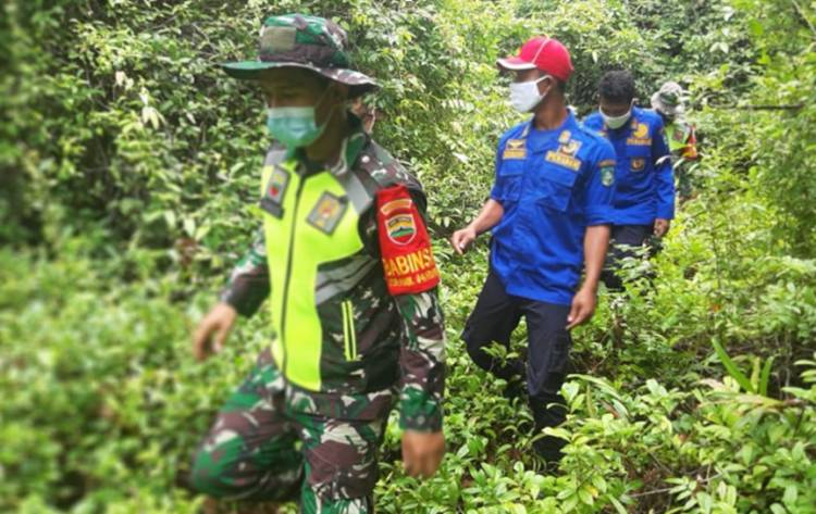 Babinsa Koramil 05/ Rupat Lakukan Patroli Daerah Rawan Karhutla