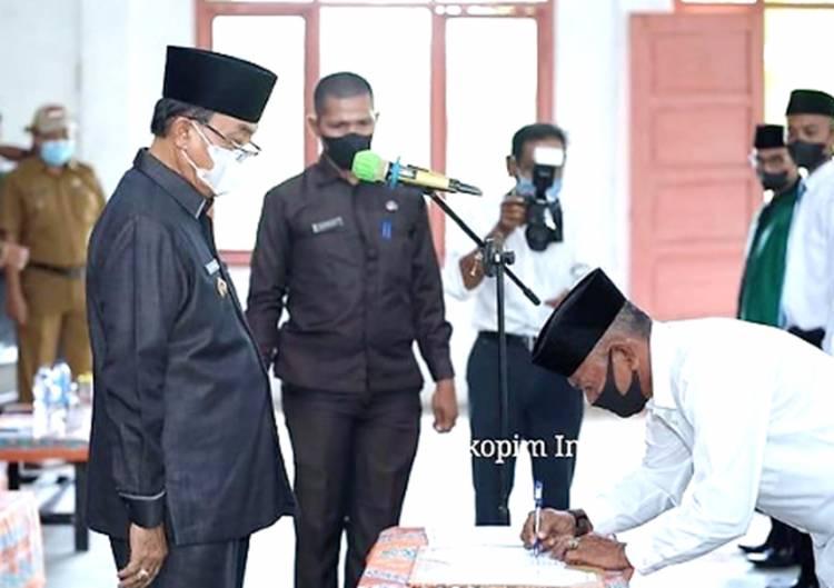 Bupati Inhil HM. Wardan Melantik 8 Orang Anggota BPD di Kecamatan Reteh