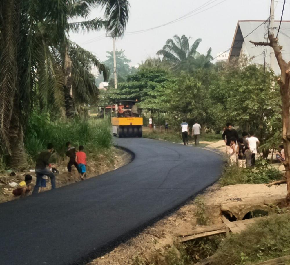 Jalan SSK Bagan Batu Cukup Memprihatinkan Akhirnya Dihotmix