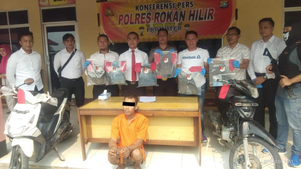 Terungkap Pembunuh Pria di Sintong - Rohil, Pelaku Mengaku Istrinya Diajak ML Dengan Bayaran 200 Ribu